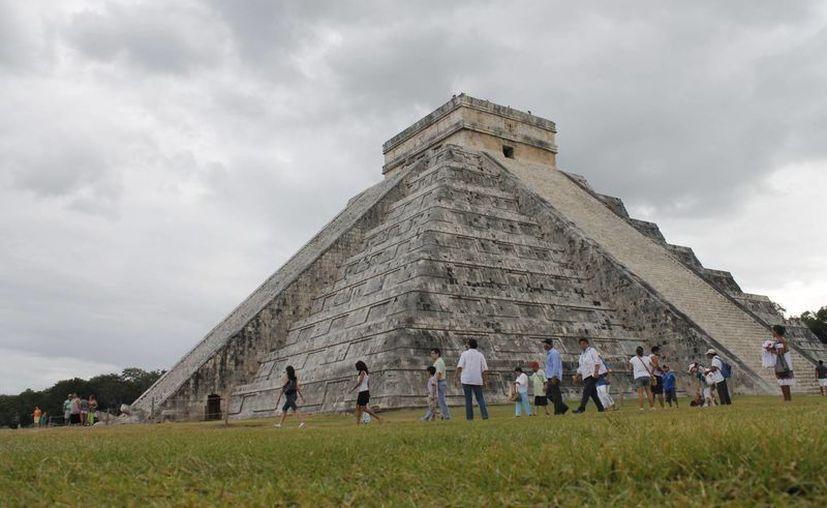 Nueve años después de otorgar al castillo de Kukulcán su estatuto de nueva maravilla del mundo, un equipo de N7W visitó Chichén Itzá para su Programa de Verificación, Información y Mejora. (Archivo/SIPSE)