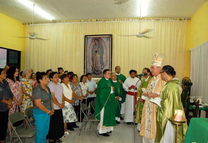 Mons. Berlie Belaunzarán hizo una oración por el éxito del sitio. (Milenio Novedades)