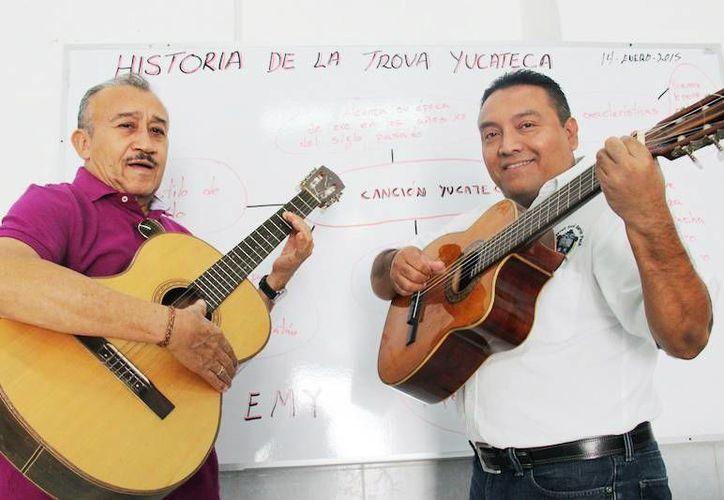 La trova, es patrimonio de los compositores de antaño. Imagen de los promotores de la  Escuela de Música Yucateca. (Milenio Novedades)