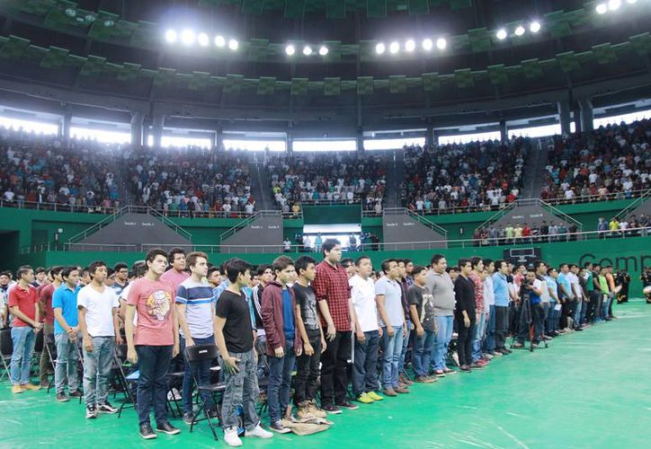 En el sorteo 960 jóvenes obtuvieron bola blanca, lo que significa que tendrán que 'marchar' el siguiente año. (Ayuntamiento de Mérida)