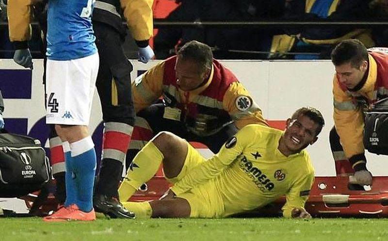 ... Villarreal ante el Napoli. El menor de los Dos Santos sufrió una rotura  miotendinosa en el bíceps femoral de su b29e6065cfbcf