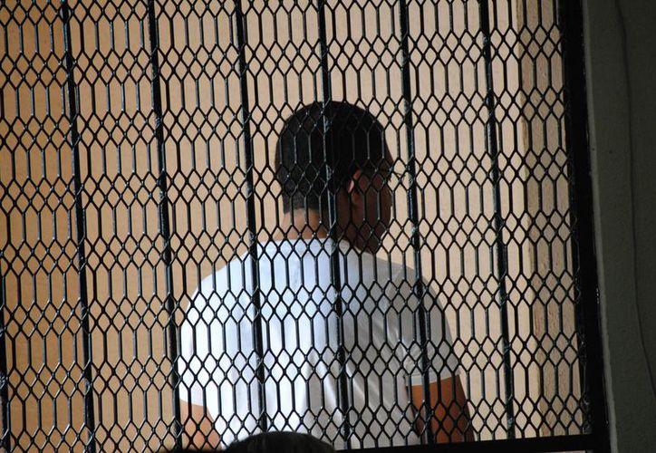 Carlos Trigos Perdomo respondió a los secretarios del Juzgado Tercero Penal que se reservaba el derecho a declarar. (Eric Galindo/SIPSE)
