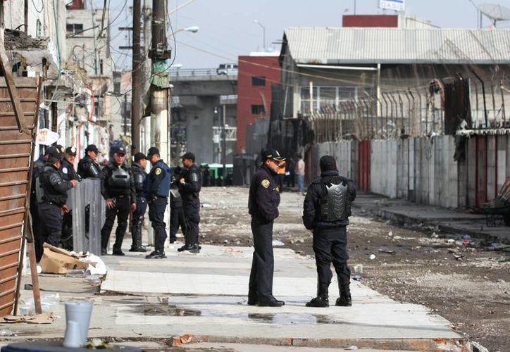 El mega operativo en Nuevo Tepito (foto) realizado hace unos días fue para recuperar la calle Luis G. Cervantes, ya que existían muchas denuncias anónimas por delitos cometidos en la zona. (Notimex)