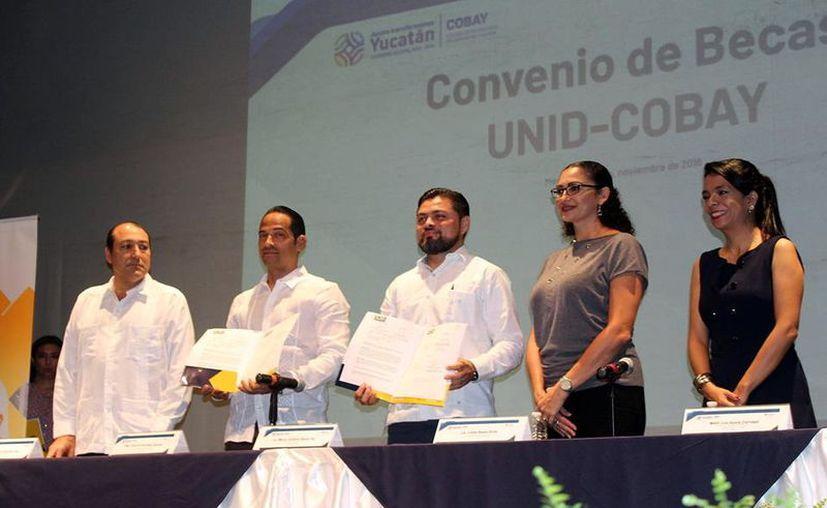 El rector de la Universidad, José Luis González Cabañas, apuntó que esta alianza marca un precedente en la educación del Estado. (Foto: Milenio Novedades)