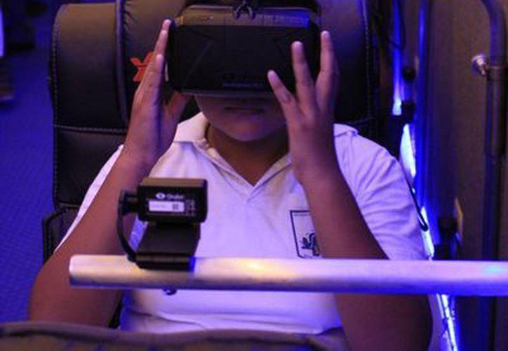 Las sesiones en el aula móvil tendrán un costo de 20 pesos. (Harold Alcocer/SIPSE)