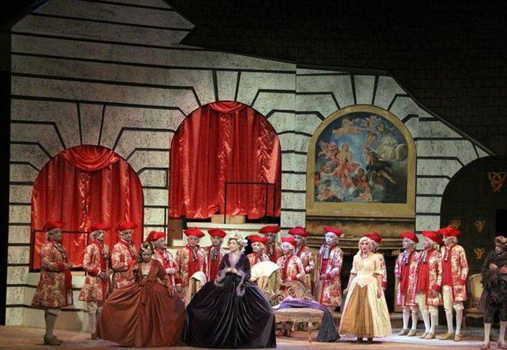"""Hoy se presenta la ópera """"La Cenicienta"""" conformada de dos actos y una duración en total de 3 horas. (Milenio Novedades)"""