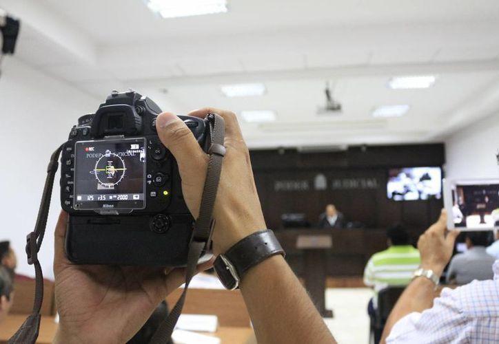 Los medios de comunicación serán clave para el nuevo sistema de justicia penal, al cuidar que las notas informativas no dañen la moral de los implicados, pues de lo contrario recibirán sanciones. (Harold Alcocer/SIPSE)