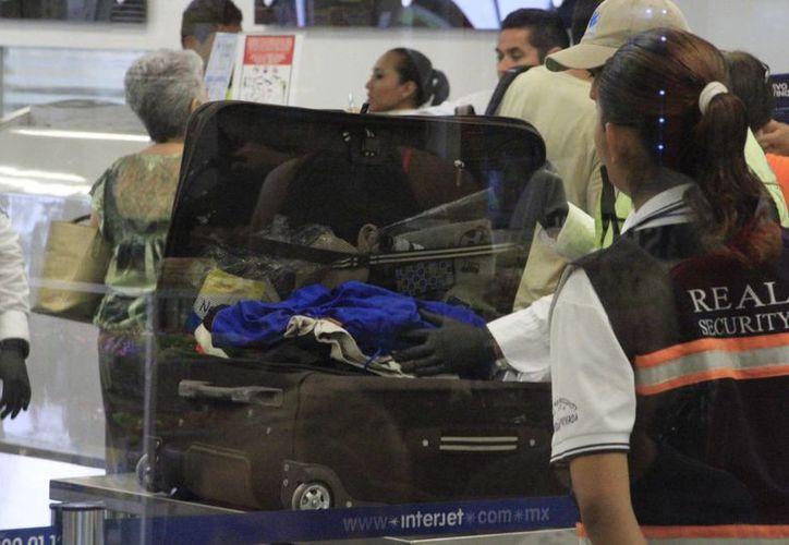 Durante diciembre se reforzará la vigilancia en el Aeropuerto de Chetumal. (Eddy Bonilla/SIPSE)
