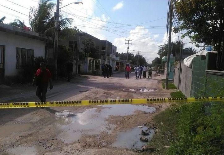 El área fue acordonada por los elementos policíacos. (Rubi Velázquez/SIPSE)