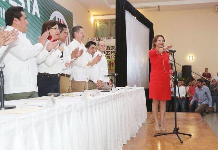Al tomar posesión como líder de la Confederación Nacional de Organizaciones Populares (CNOP) en Yucatán, Karla Franco ofreció impulsar la lucha de las mujeres, jóvenes, grupos vulnerables y adultos mayores, en la búsqueda de mejores condiciones de vida. (Fotos cortesía)