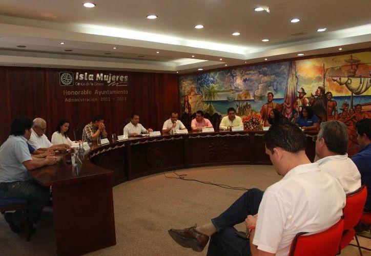 Los representantes del Cabildo de todas las fracciones políticas durante la sesión ordinaria. (Lanrry Parra/SIPSE)