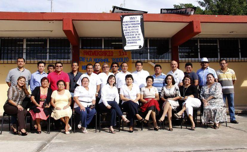 """La Normal """"Rodolfo Menéndez de la Peña"""" cuenta con una matrícula de 144 estudiantes y 40 profesores. (Juan Albornoz/SIPSE)"""