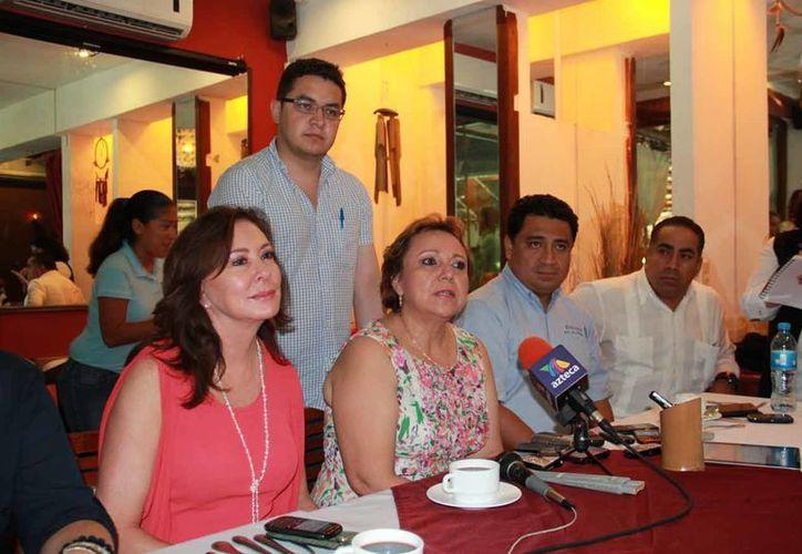 Alicia Ricalde Magaña se reunió con diputados federales. (Lanrry Parra/SIPSE)