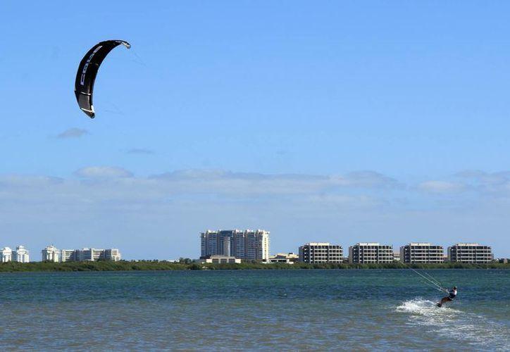 Cancún fue colocada entre las 100 ciudades más visitadas a nivel mudial, durante 2016. (Luis Soto/SIPSE)
