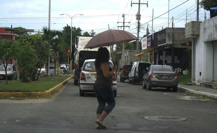 Secretaría de Salud invita a la población a protegerse de los rayos del sol. (Harold Alcocer/SIPSE)
