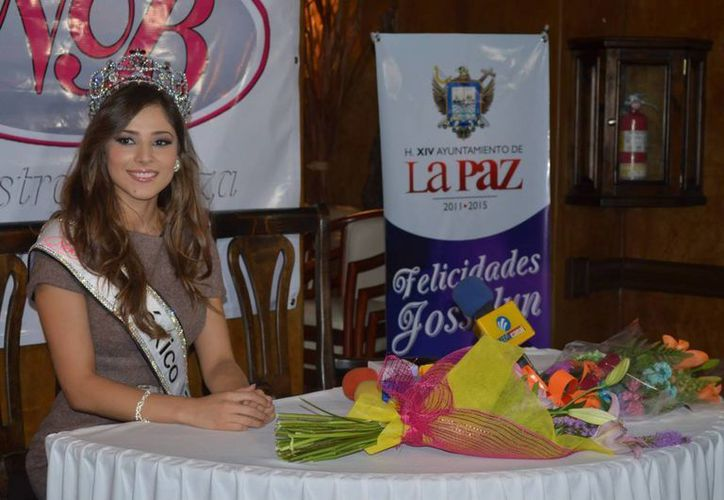 La mexicana Josselyn Garciglia afirma que al margen de si gana o no el título de Miss Universo, ella está contenta con sus logros. (missosology.info)