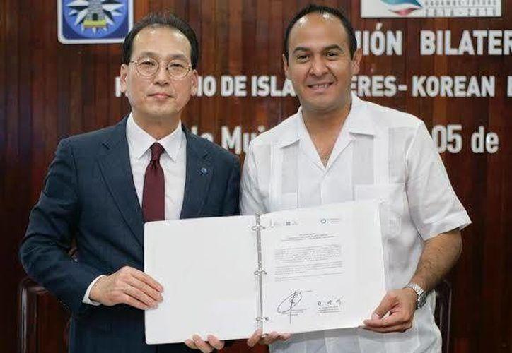 El Ayuntamiento, la comitiva y gobierno del país asiático, firmaron un acuerdo de colaboración bilateral. (Foto: Redacción)