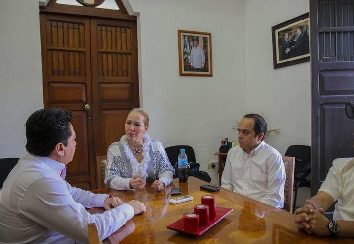 Dirigentes estatales del PRI recibieron a la coordinadora nacional de Vinculación Empresarial y Emprendimiento del Comité Ejecutivo Nacional (CEN), diputada Adriana Fuentes Téllez. (SIPSE)
