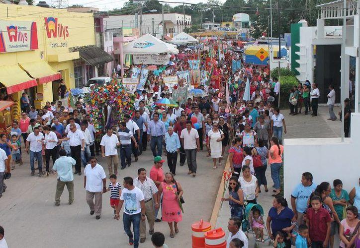Participaron en el recorrido familias de diversas colonias y comunidades. (Raúl Balam/SIPSE)