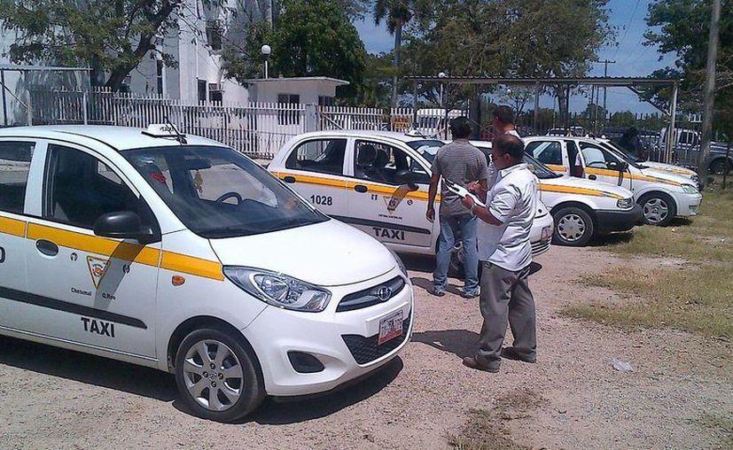 Se han rechazado 50 taxis por no estar en óptimas condiciones. (Cortesía/SIPSE)
