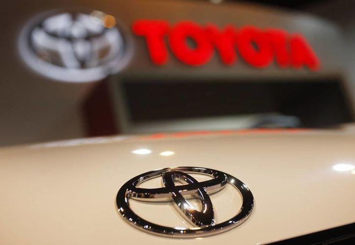 Toyota aseguró que mantendrá sus planes de inversión para la planta de Guanajuato. (AP/David Zalubowski)