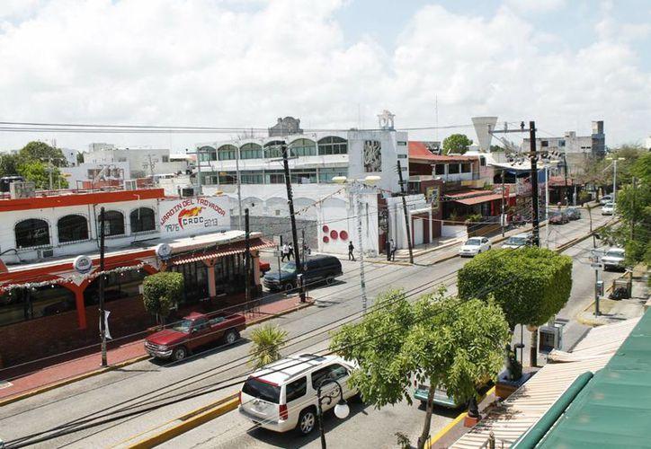 El centro de Cancún requiere una renovación total. (Jesús Tijerina/SIPSE)