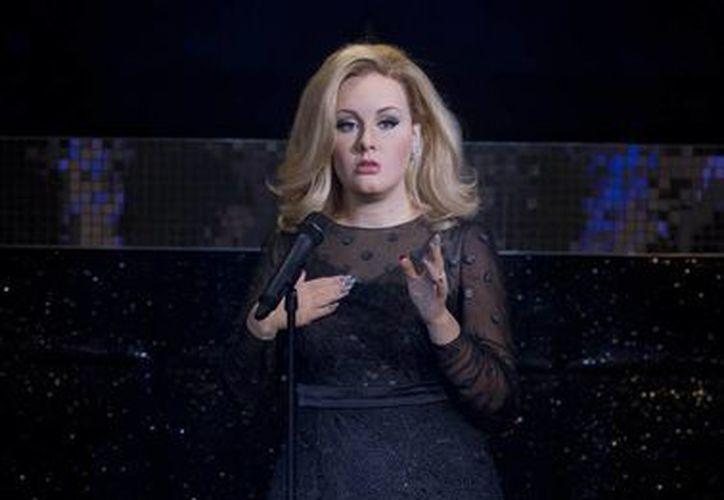 La diferencia entre la Adele real y la del museo es que esta última parece tener una cintura más pequeña y piernas más delgadas. (Agencias)