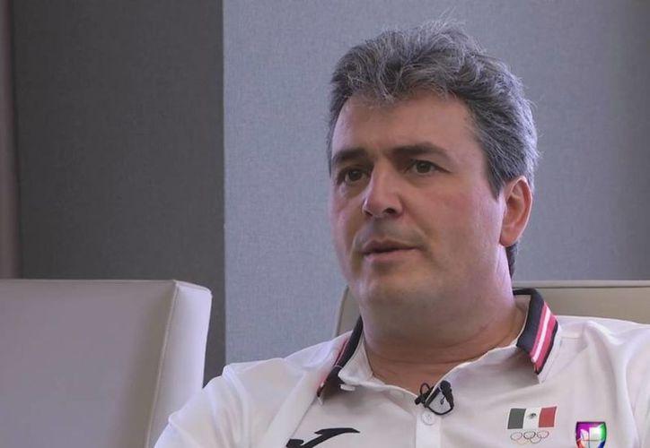 Sergio Valdeolmillos regresa a la dirección técnica de la Selección Mexicana de básquetbol. (univision.com)