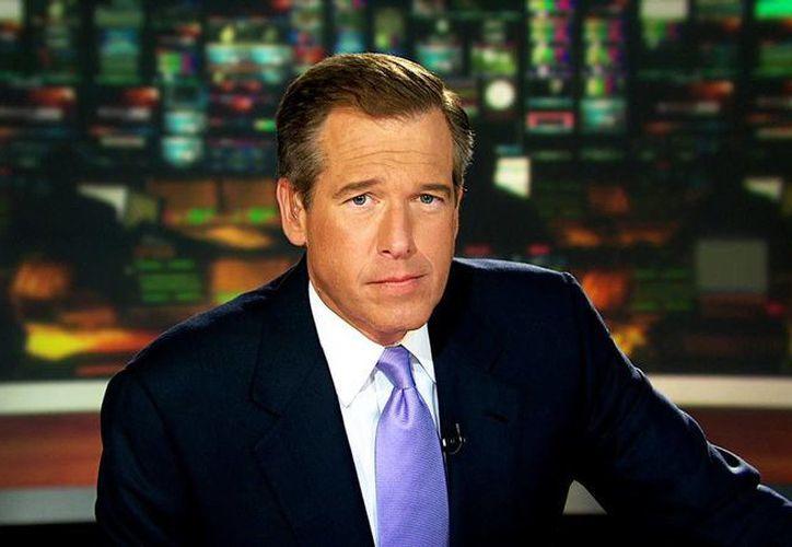 """NBC anunció el jueves que Brian Williams no volverá a conducir el noticiero nocturno """"Nightly News"""" luego de haber sido suspendido por tergiversar su papel en un reporte, pero que le dará una segunda oportunidad como presentador de noticias de última hora en el canal de cable MSNBC. (Fotografía: thepoliticalinsider.com)"""