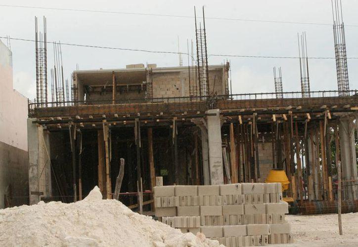 Las recientes lluvias frenaron el avance de construcciones en la ciudad. (Tomás Álvarez/SIPSE)