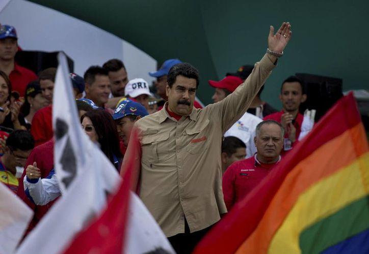Nicolás Maduro asegura no temer al Congreso de Venezuela, que ha intentado infructuosamente removerlo del poder. (AP/Fernando Llano)