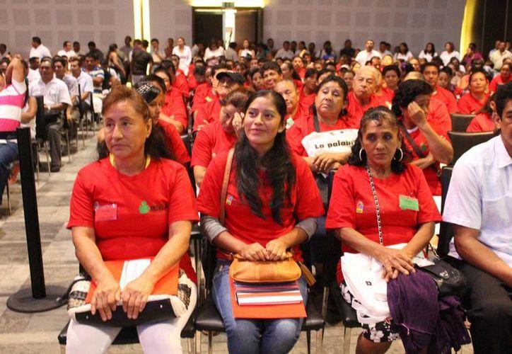 Hay 250 estudiantes que finalizarán sus estudios de primaria gracias a un convenio entre el IEEA y la CROC. (Luis Ballesteros/SIPSE)