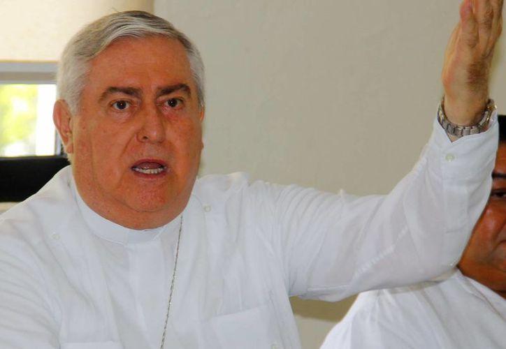 Mons. Emilio Carlos Berlie aseguró que la plenitud de la vida no está en una etapa, al conmemorarse el Día del Adulto Mayor. (Milenio Novedades)