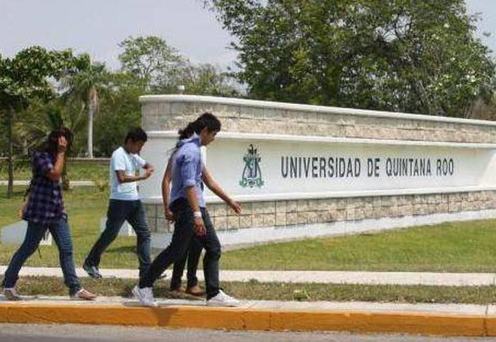 Recibe la Universidad de Quintana Roo a decenas nacionales y extranjeros para cursar un semestre en sus instalaciones. (SIPSE)