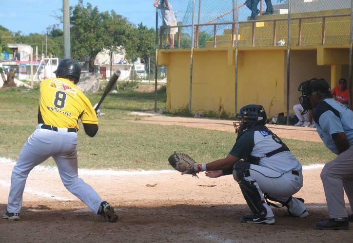 Con este resultado el conjunto de Carrillo Puerto se mantiene a cinco juegos disputados, cuatro victorias y una derrota. (Raúl Caballero/SIPSE)