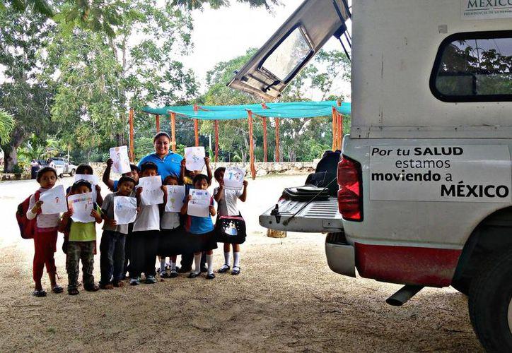 Las unidades móviles atienden a 136 comunidades rurales que en promedio brindan 176 mil consultas. (Ángel Castilla/SIPSE)