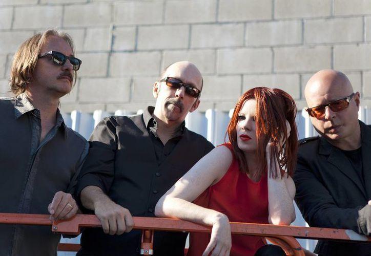 Los integrantes de Garbage se dijeron felices en el cierre del Festival Vive Latino, en el que para ellos es su primer concierto del año. (Notimex)