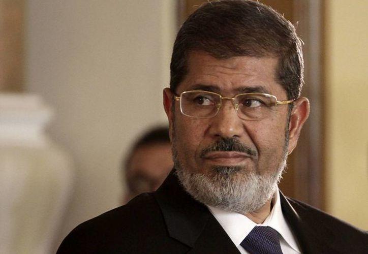 Mohammed Morsi fue derrocado en julio de 2013 luego de manifestaciones masivas que exigían su renuncia; no reconoce el tribunal e insiste que el gobierno actual es ilegítimo. (Archivo/Agencias)