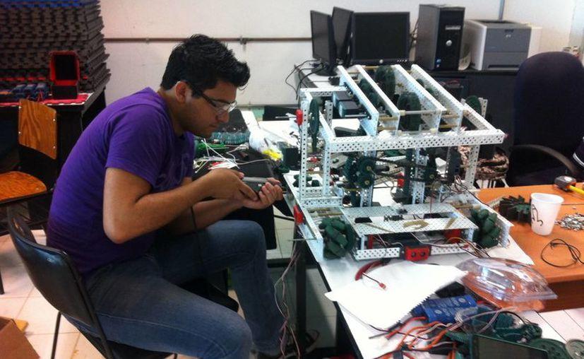 Para desarrollar los dos prototipos, fue necesario una inversión de alrededor de 70 mil pesos. (Pedro Olive/SIPSE)