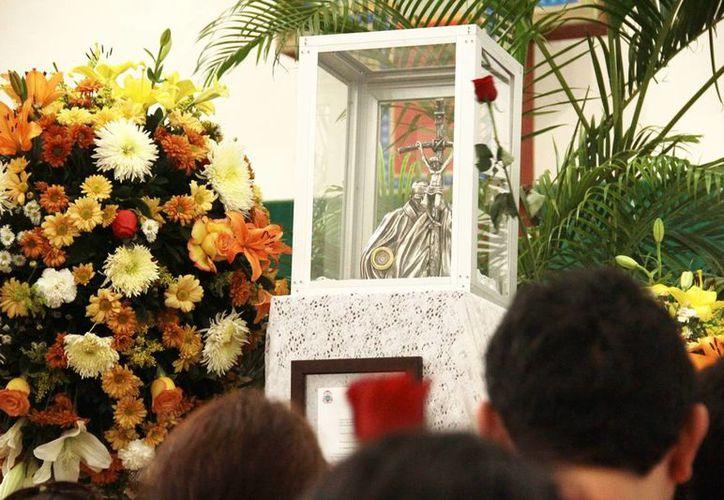 Durante el VI Encuentro Mariano Totus Tuus se contará con las reliquias de primer grado (sangre) de San Juan Pablo II. (César González/SIPSE)