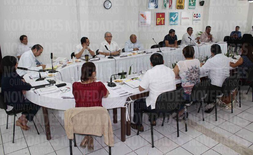 Se dio a conocer en sesión extraordinaria los gastos por elecciones y partidos políticos. (Joel Zamora/SIPSE)