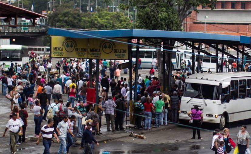 Venezuela sufre cortes de luz con frecuencia. (EFE)