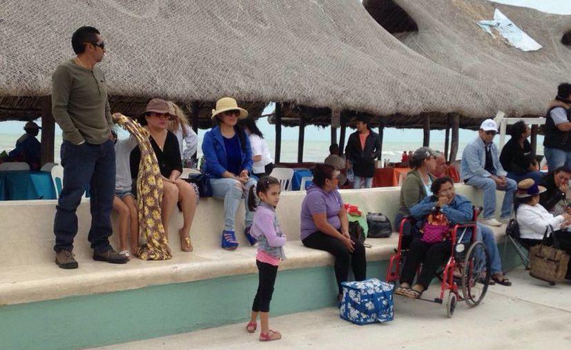Se pide a los habitantes de cuatro municipios yucatecos mantenerse bien abrigados debido a las bajas temperaturas. (Jorge Acosta/SIPSE)