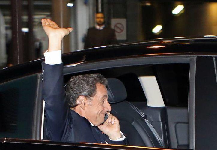 El expresidente Nicolás Sarkozy asegura que tiene 'ganas profundas' de seguir sirviendo a los franceses. (AP)