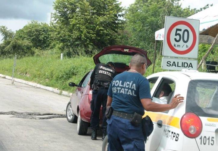 La vigilancia está a cargo de aproximadamente 60 elementos municipales quienes tienen que darse abasto con alrededor de ocho patrullas. (Edgardo Rodríguez/SIPSE)
