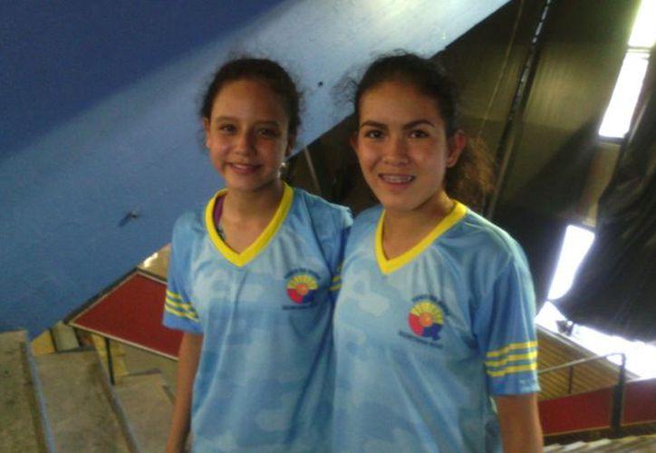 Karina Cuéllar y Clío Bárcenas se llevan el metal dorado de la Olimpiada Nacional. (Raúl Caballero/SIPSE)