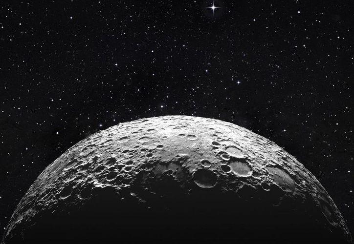 Un par de científicos buscaron la huella del agua en amplias partes de la superficie lunar.  (Foto: Contexto/Internet)
