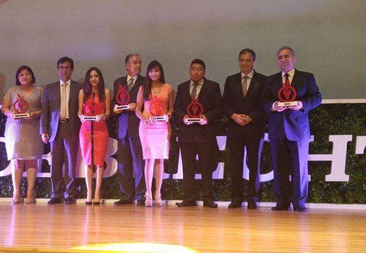 El reconocimiento fue entregado a los creadores del prototipo, que son alumnos del Instituto Tecnológico de Chetumal. (Ángel Castilla/SIPSE)