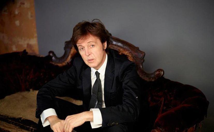 Paul McCartney confesó que, tras la separación de The Beatles, se deprimió y cayó en las garras del alcohol. (paulmccartney.com)
