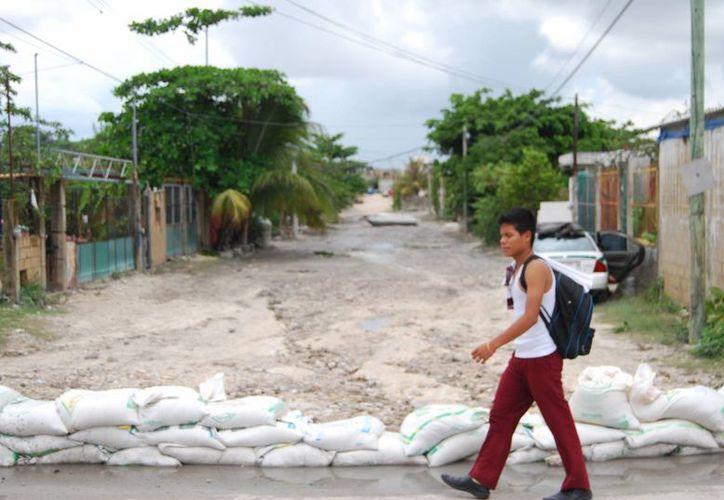 Disminuye el número de áreas inundadas por aguacero. (Tomás Álvarez/SIPSE)